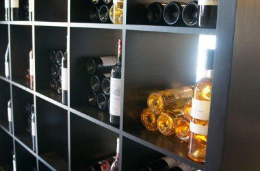 vin_etagere